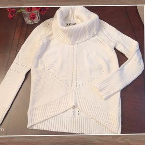 New with tag—Ann Taylor Loft women white Sweater M